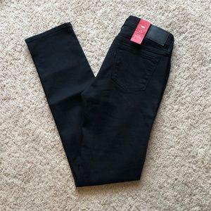 NWT Levi's Black Straight Leg Jeans
